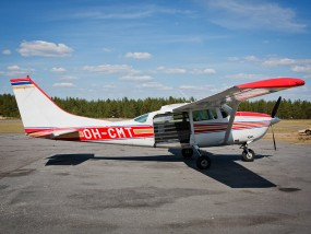 Cessna 206 OH-CMT